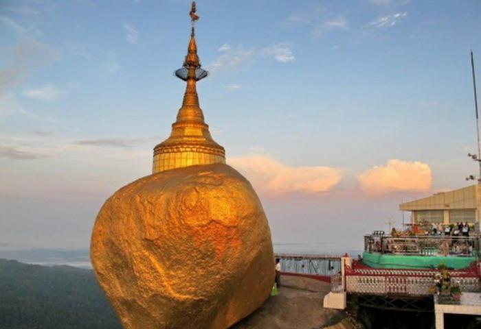 Yangon to Kyaikhtiyo and Bago Tour